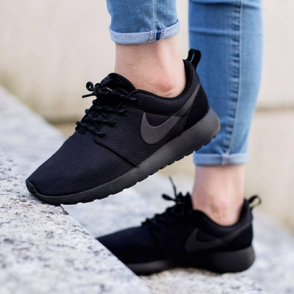 nike black roshe women